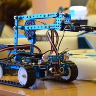 Pedagogi apgūst robotiku