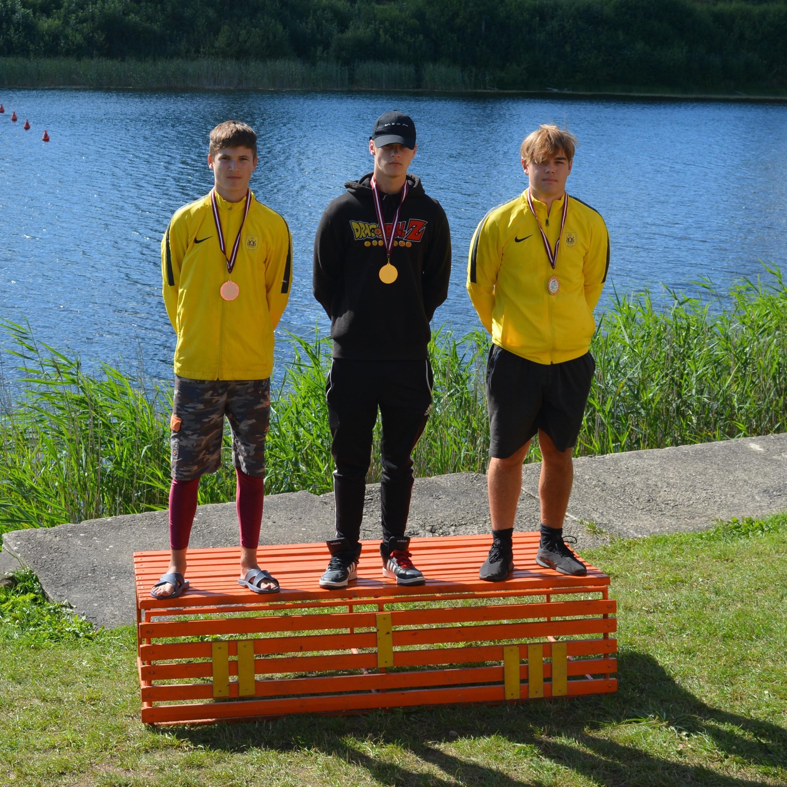 Gūti panākumi Latvijas čempionātā smaiļošanā un kanoe airēšanā