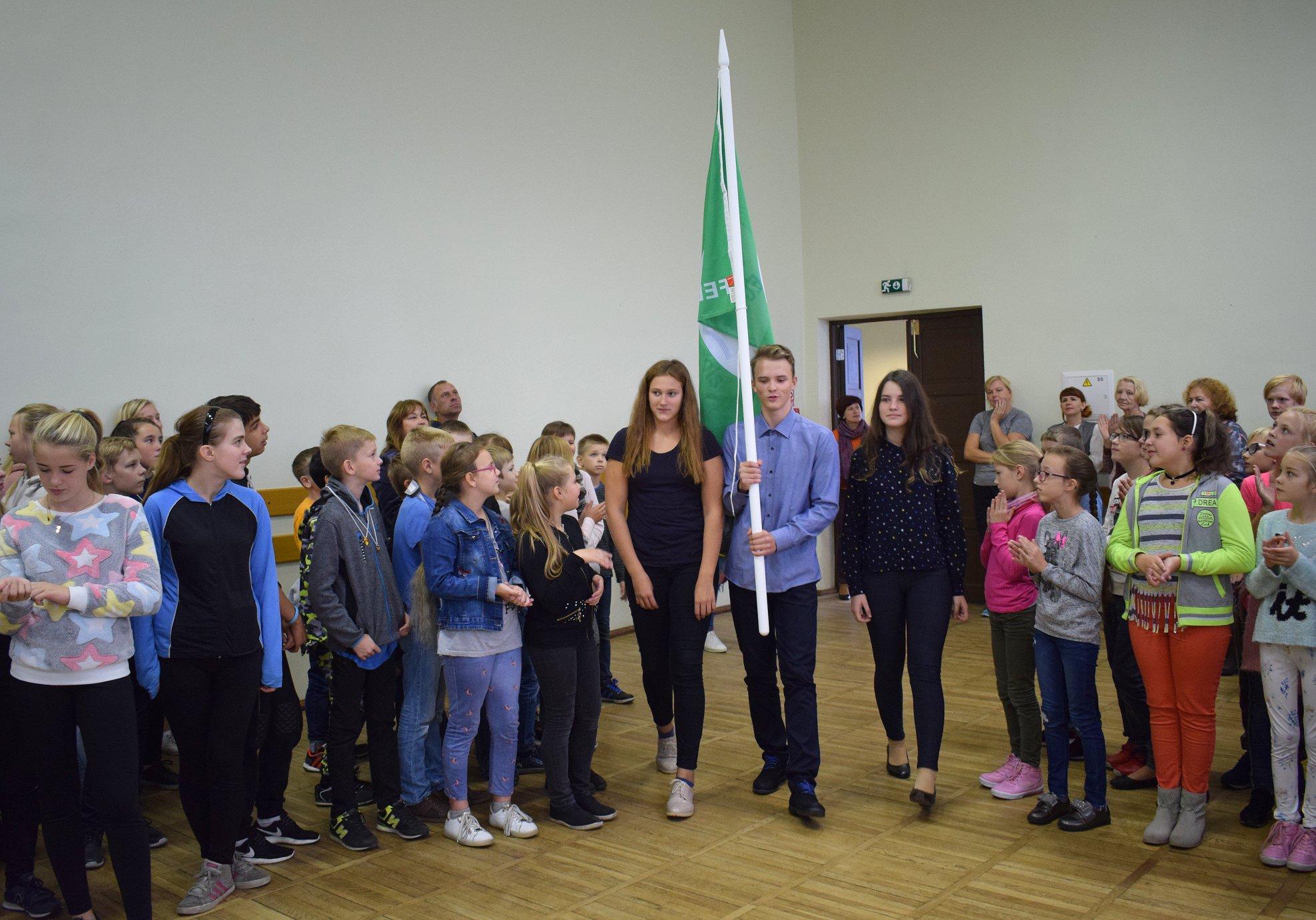 Ventspils skolām starptautiskie Zaļā karoga apbalvojumi