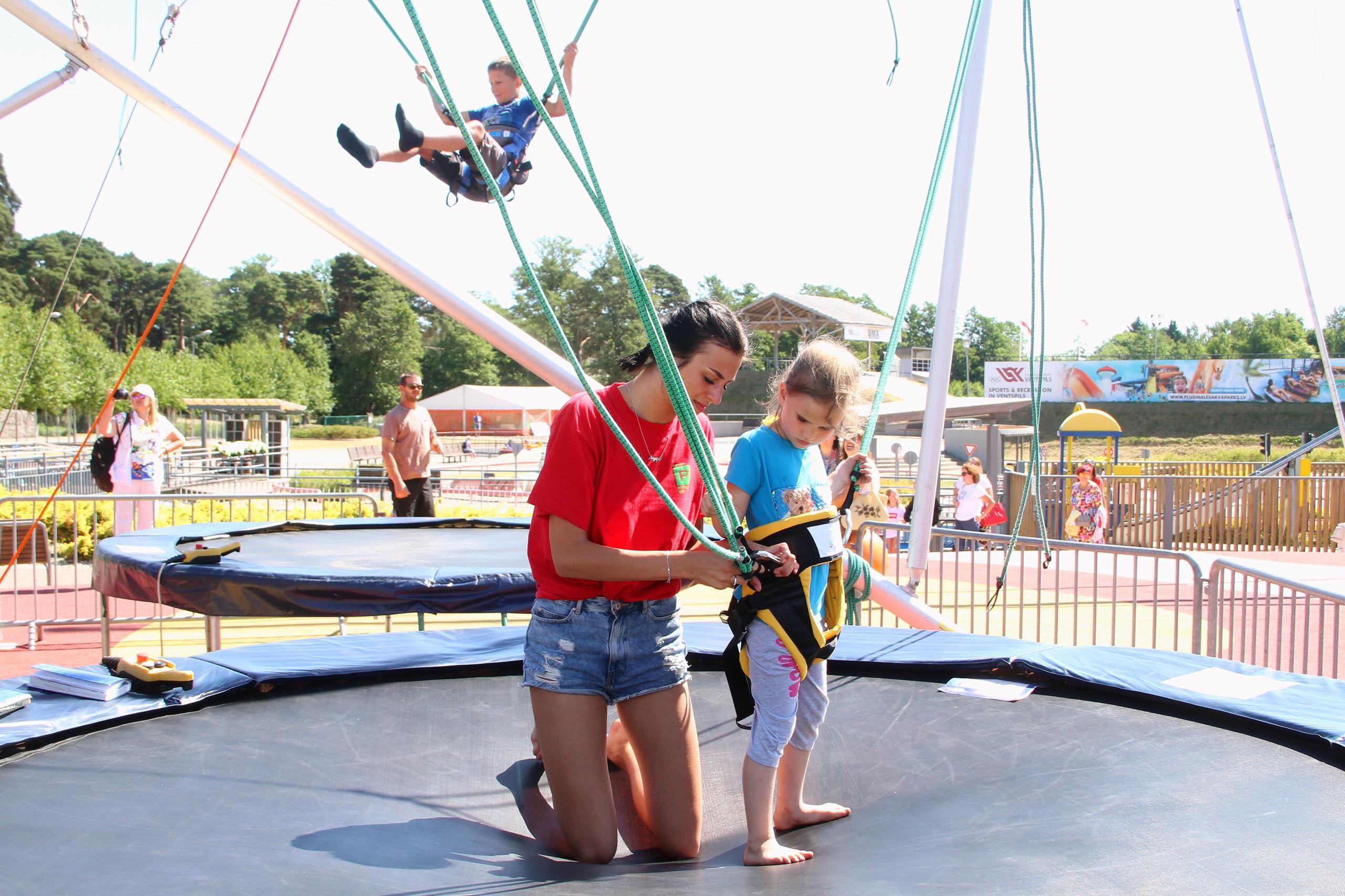Aicina pieteikt bērnus un jauniešus darbam vasarā