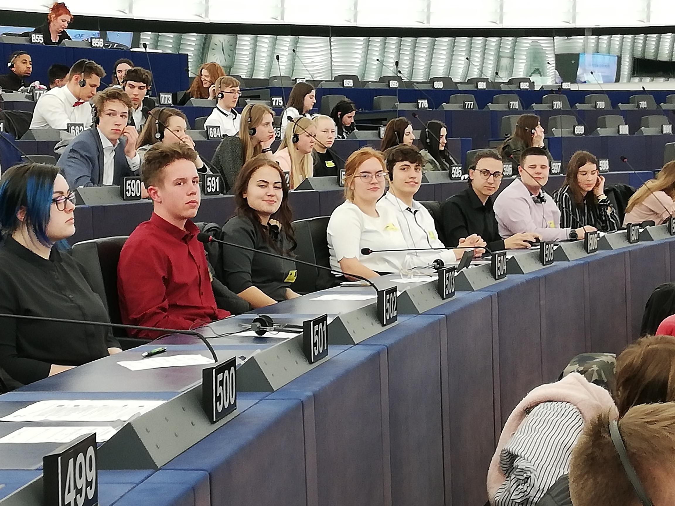 Ventspils 6.vidusskolas skolēni piedalījās pasākumā EUROSCOLA Francijā