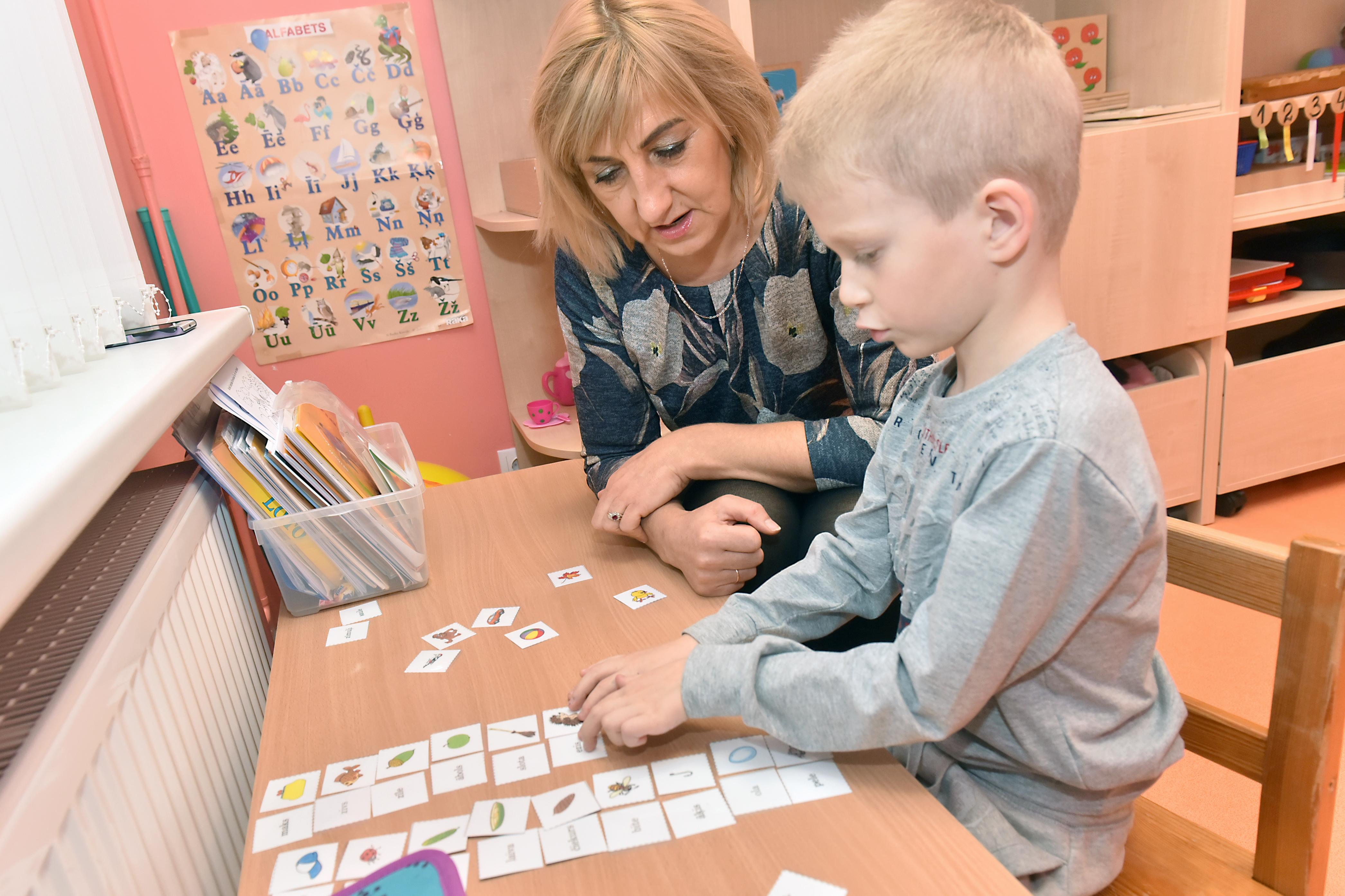 Metodiska palīdzība bērnu skološanā