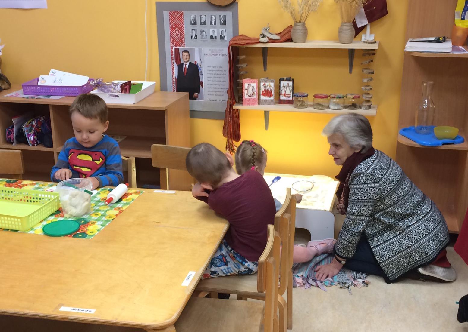Ventspils pirmsskolu pedagogi savstarpēji dalās pieredzē