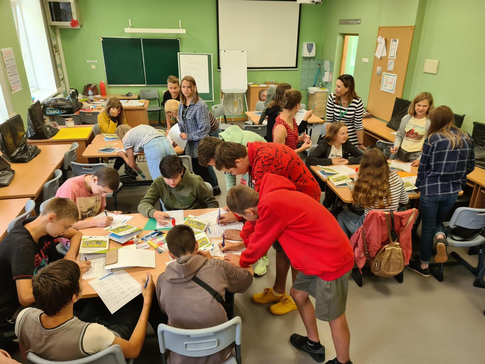 Tiek īstenoti jaunatnes iniciatīvas projekti mācību motivācijas palielināšanai