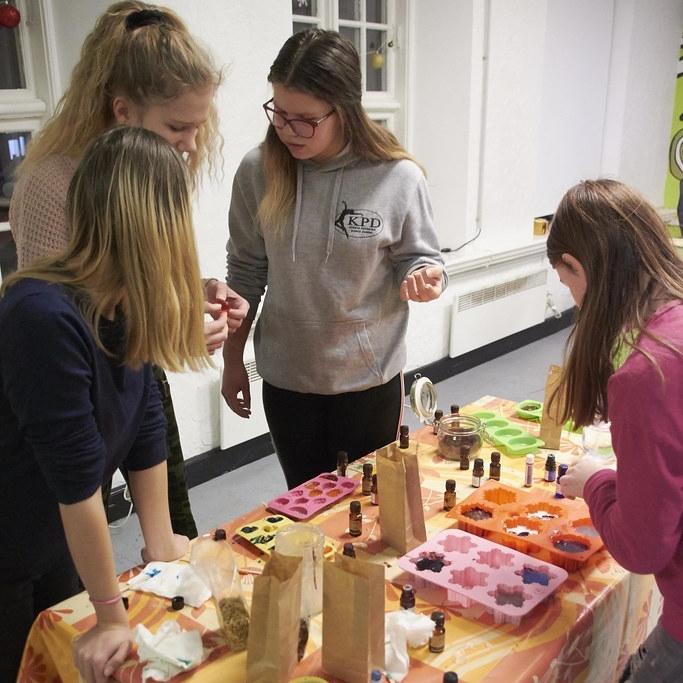 Jauniešu māja piedāvā attālinātās neformālās nodarbības