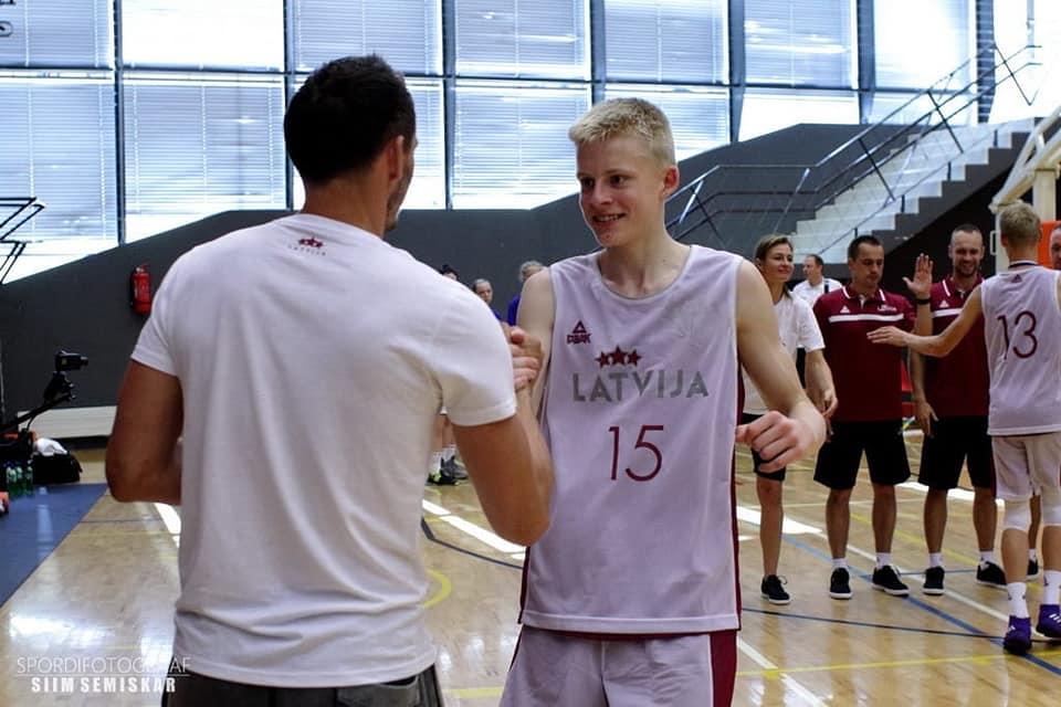 Toms Salnājs kļūst par čempionu Latvijas izlases sastāvā
