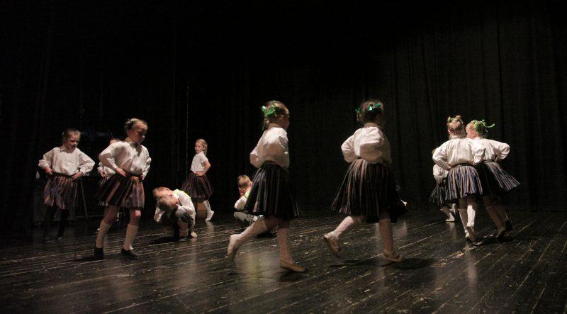 Notiks tautas deju kolektīvu repertuāra apguves skate