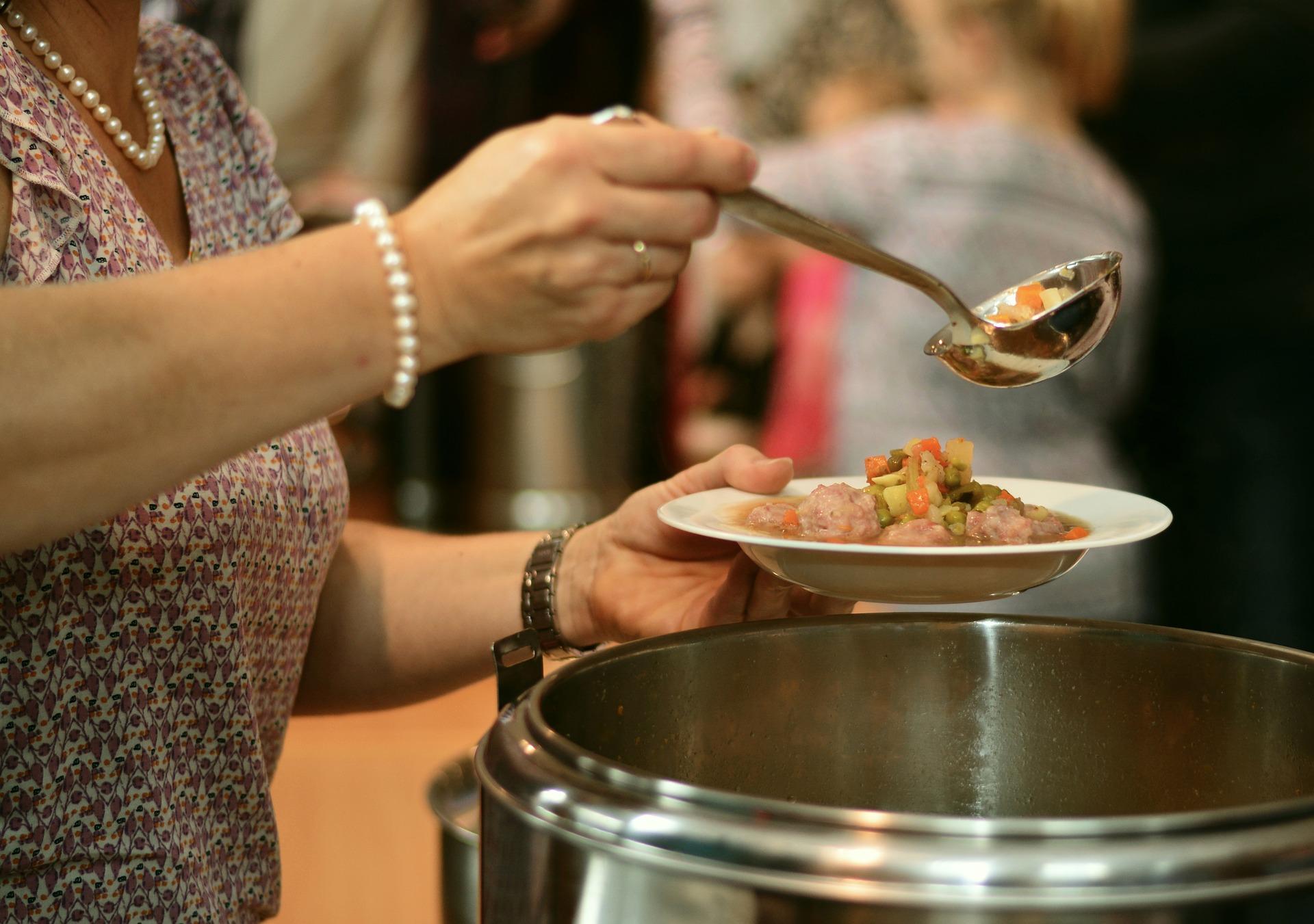 Pašvaldības pabalsts bērnu ēdināšanai pirmsskolas izglītības iestādēs un skolēnu brīvpusdienām